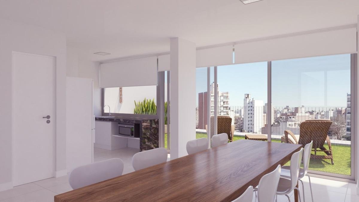 venta de departamento de 1 dormitorio con patio con amplia financiacion. mendoza al 2100. a metros de bv. oroño.