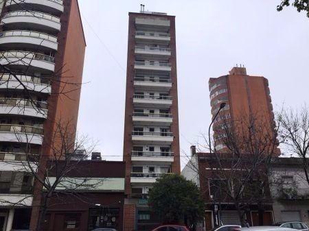 venta de departamento de 2 dormitorios con balcón
