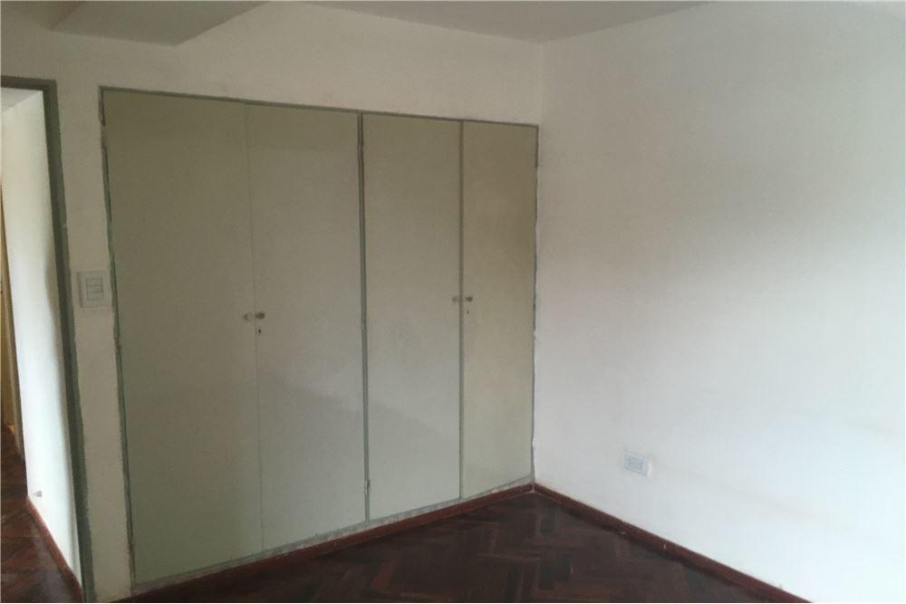 venta de departamento de 3 habitaciones en ciudad-