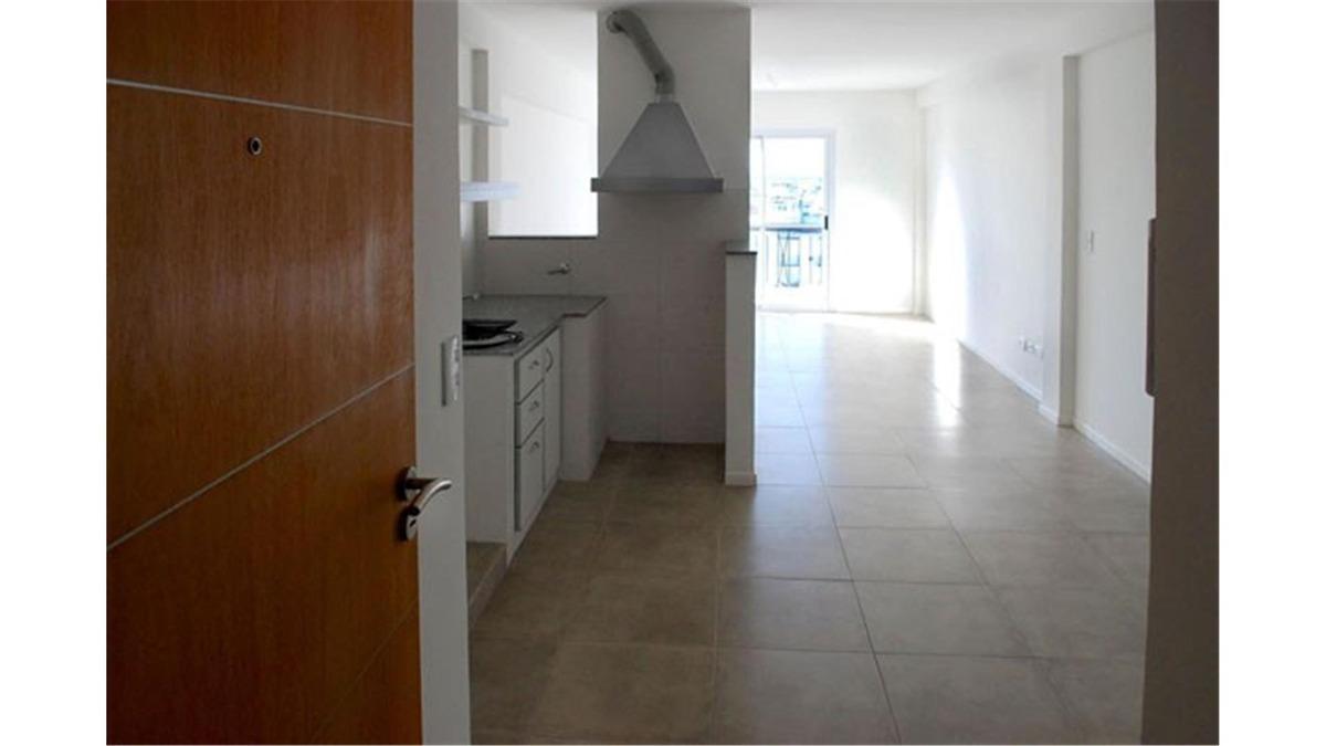 venta de departamento dos ambientes - caseros centro - con p