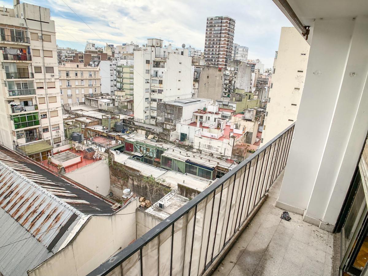 venta de departamento en balvanera muy luminoso y con balcón