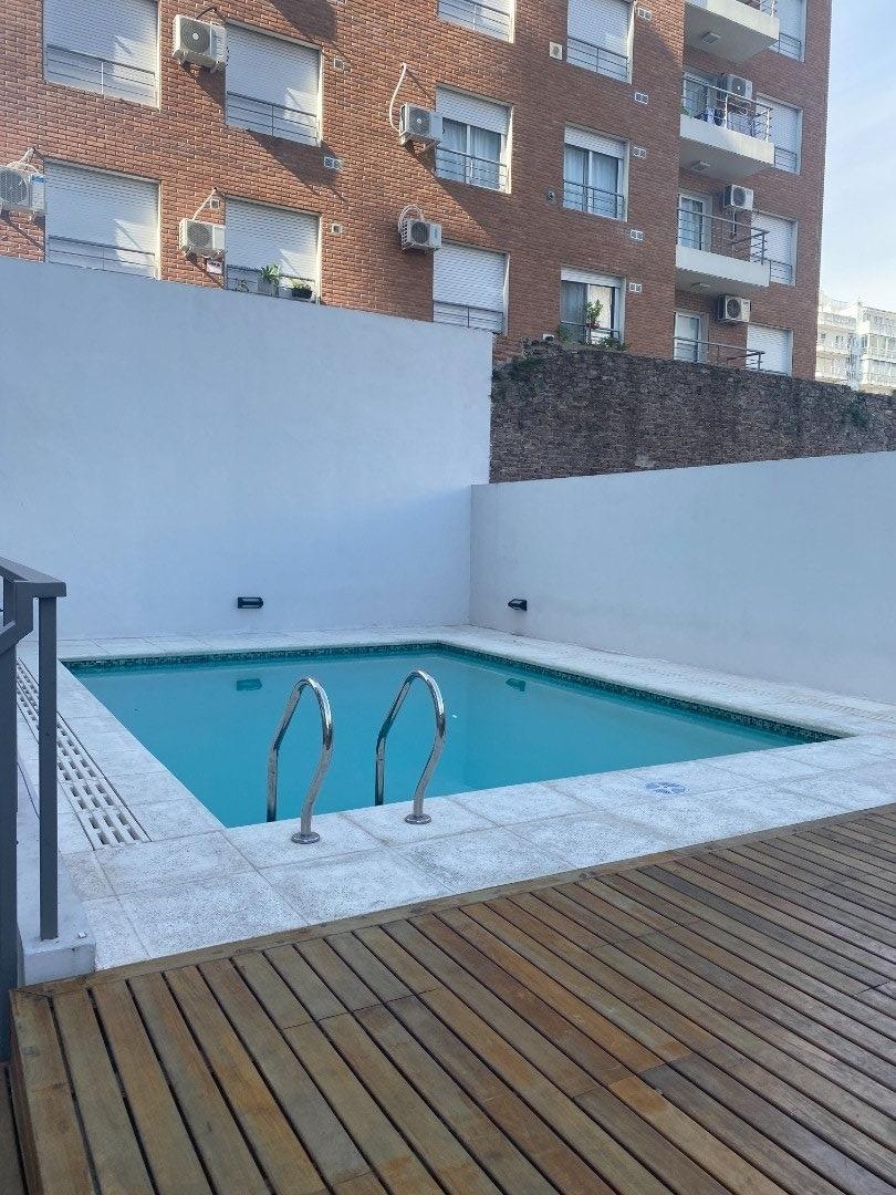 venta de departamento. monoambiente con balcon. a metros de bv. oroño.