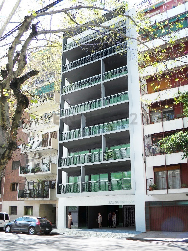 venta de departamento monoambiente divisible. con balcón al frente