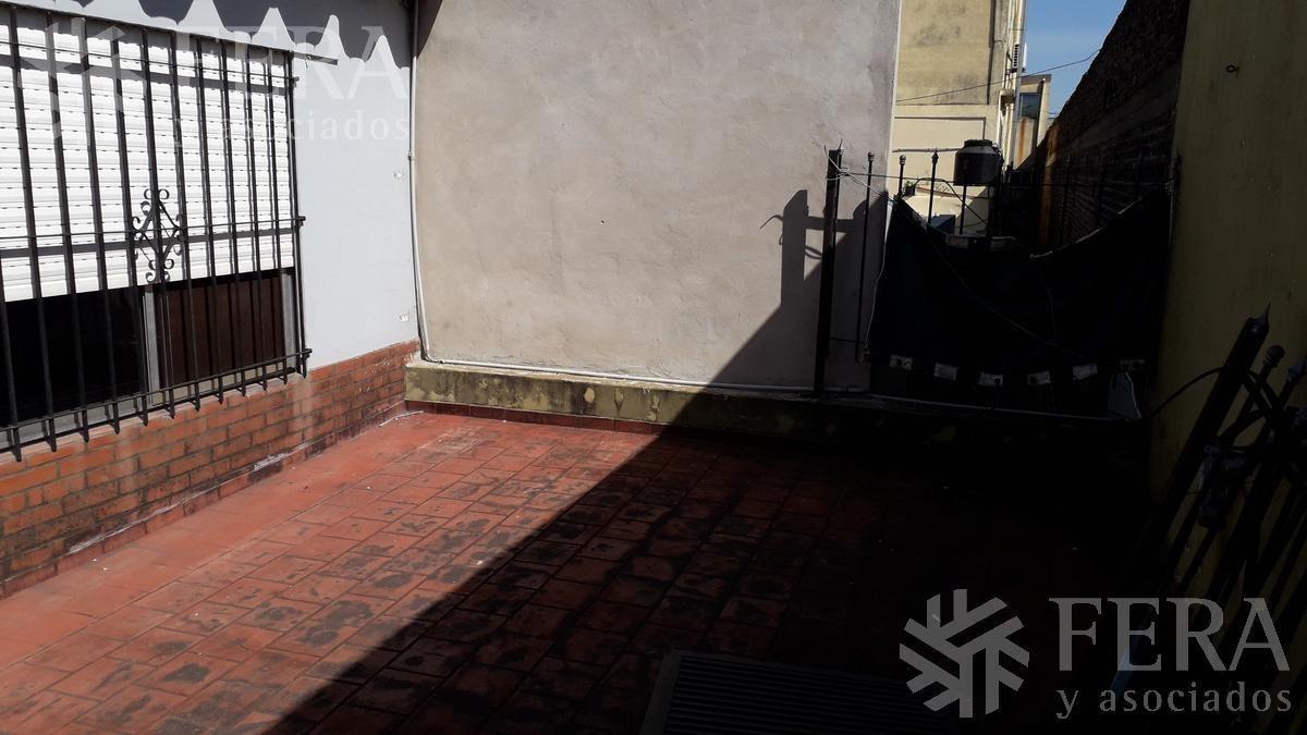 venta de departamento tipo casa de 5 ambientes con patio en wilde (26413)