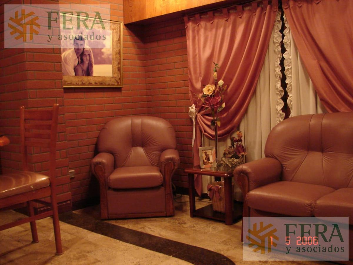 venta de departamento tipo casa ph 2 ambientes en wilde con cochera y patio ( 24519)