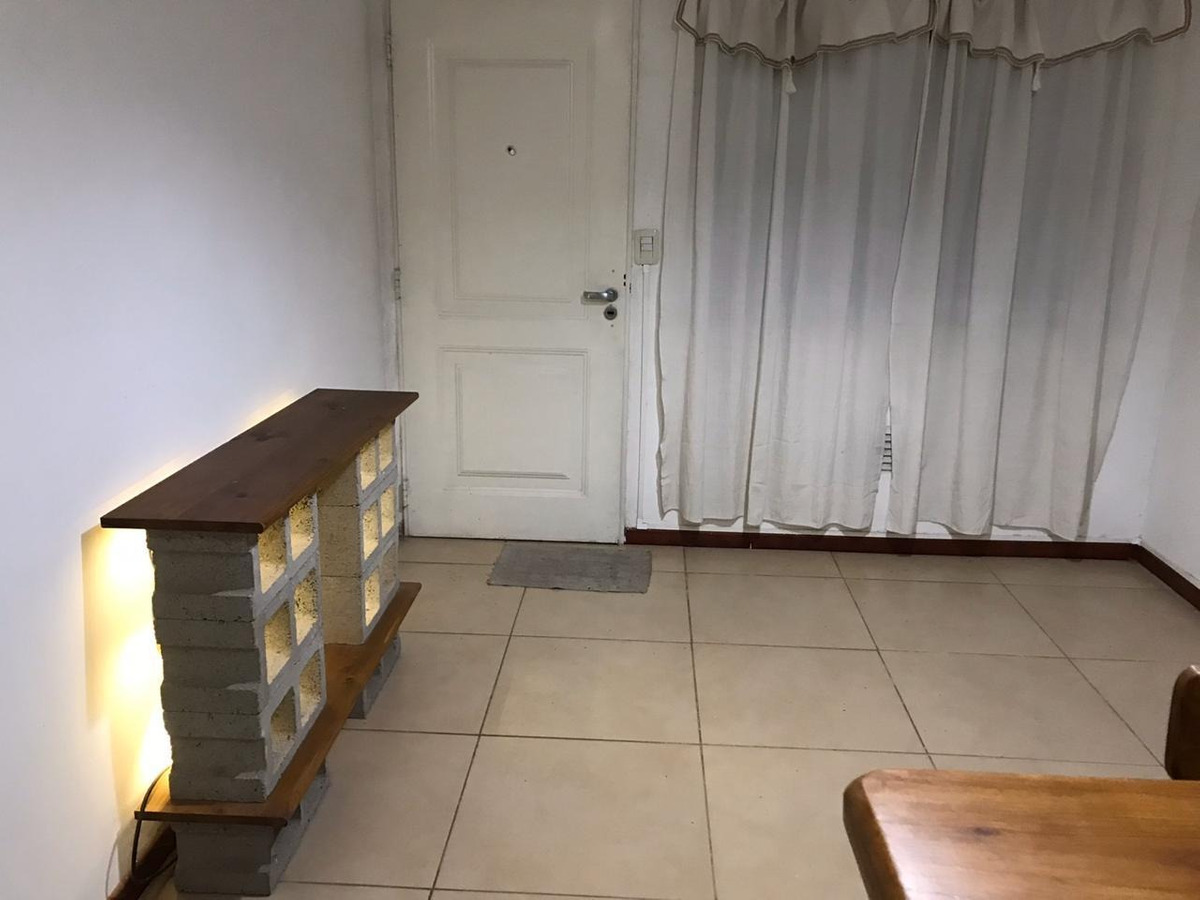 venta de departamento tres ambientes con cochera - moreno