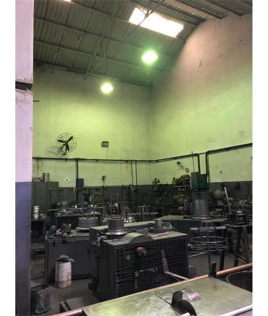 venta de depósito de 1022 m2 en distrito tecnológico