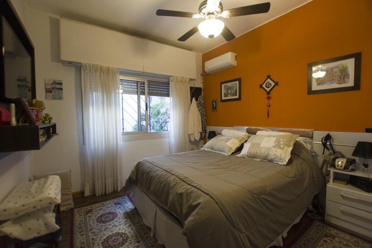 ¡venta de dos casas en un padrón, impecable estado, gran fondo verde y barbacoa!
