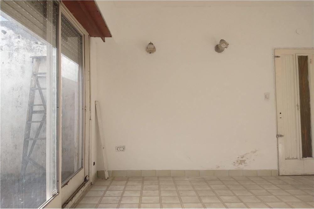 venta de dpto. 2 ambientes c/patio quilmes