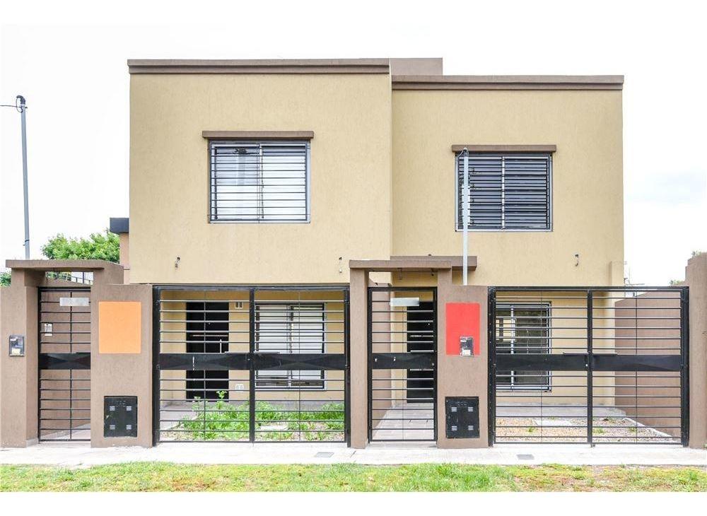 venta de duplex 3 amb coch en pozo en berazategui