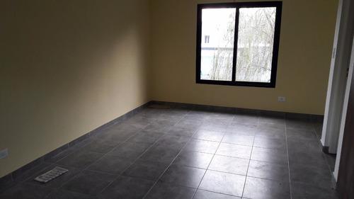 venta de duplex de 1 dormitorio en excelente estado. mercedes (b)