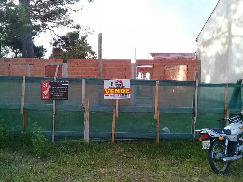 venta de duplex en pozo mar del tuyu calle 89 e/3 y 4