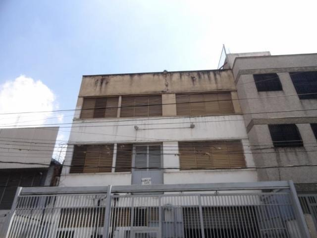 venta de edificio en urb. catia/ código 16-19790/ simón m