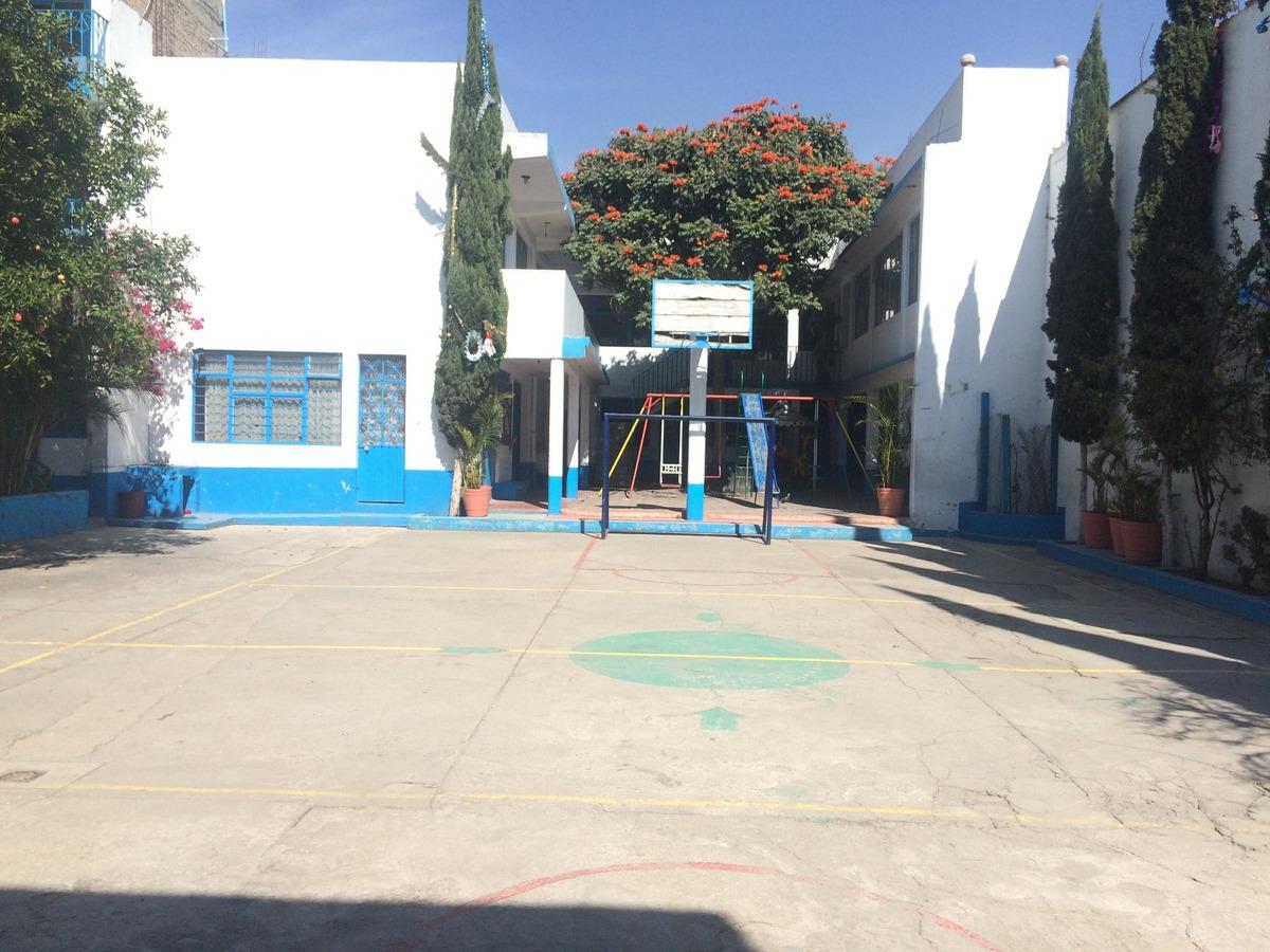 venta de edificios tres predios con patio central