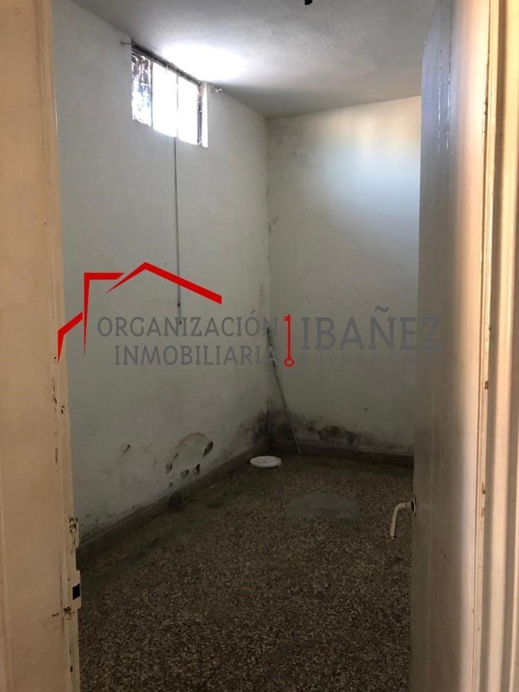 venta de espaciosa casa a reformar. junín.