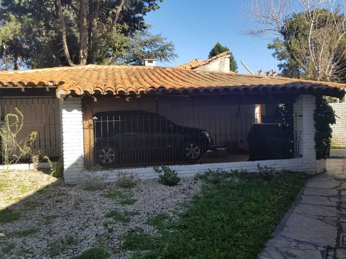 venta de excelente casa 4 amb en barrio uno ezeiza