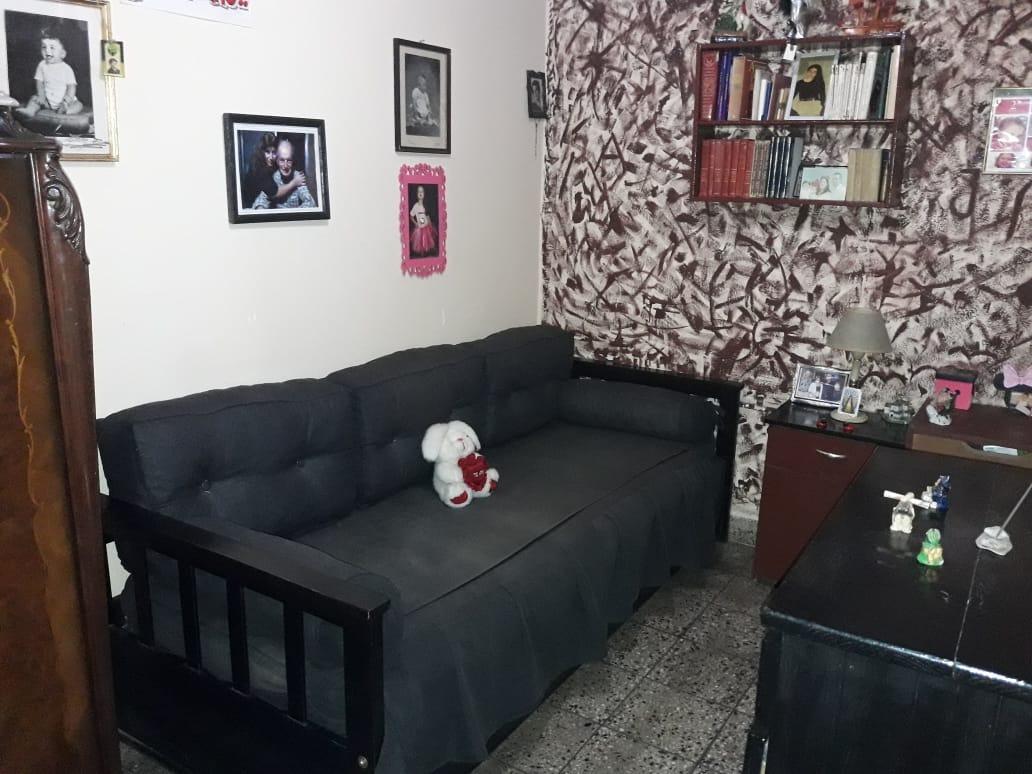 venta de excelente casa 4 ambientes refaccionada a nueva !!!
