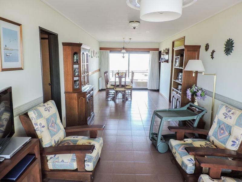 venta de excelente departamento 3 ambientes, villa gesell