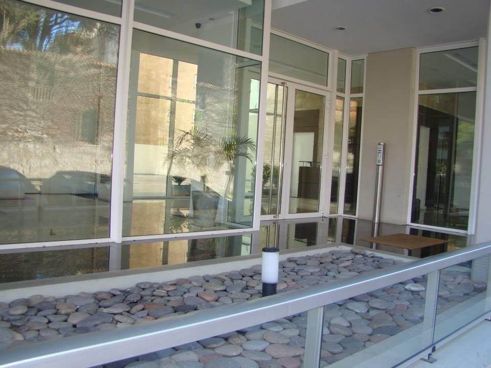 venta de excelente tres ambientes en edificio lumier alvear