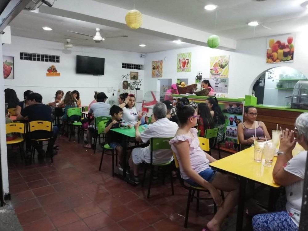 venta de frutería y heladería