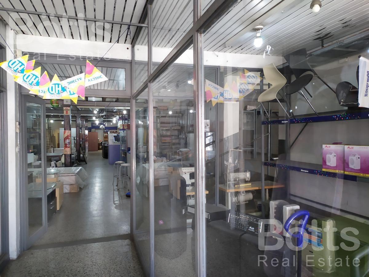 venta de gran local con depósito en centro de pompeya