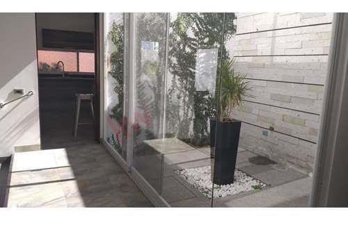 venta de hermosa casa en fraccionamiento san ángel ii con vigilancia las 24 horas semi-amueblada o sin amueblar