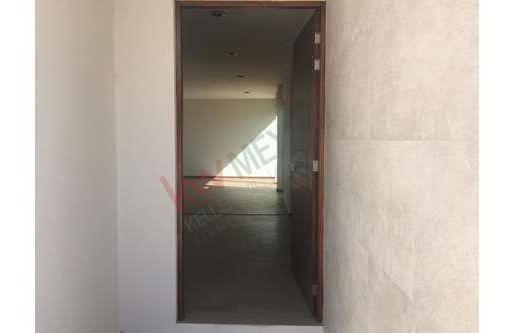 venta de hermosa casa en villa magna, en la zona de mayor proyección en san luis potosí