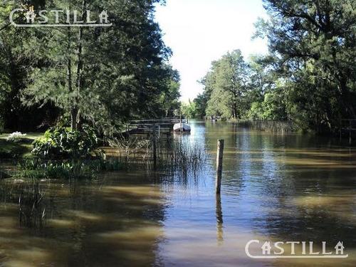 venta de hermosa casa sobre arroyo arroyón
