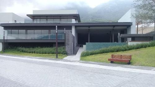 venta de hermosa residencia en proyecto - valle - san pedro, nl