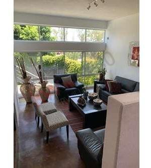 venta de hermosa y amplia casa en lomas 3 sección totalmente re-modelada