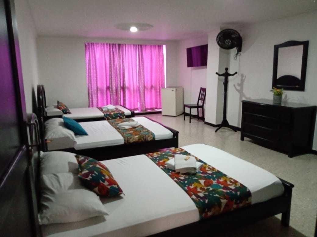 venta de hotel pereira central  parque bolivar