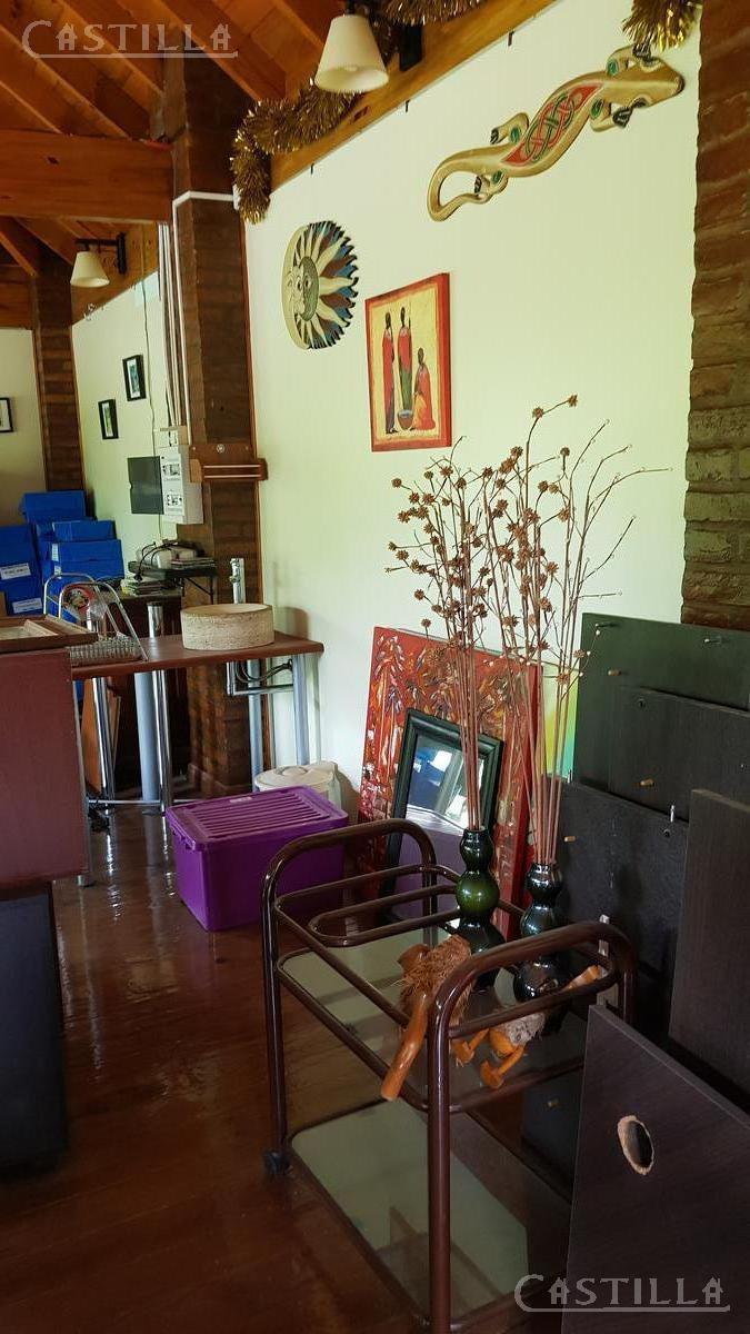 venta de importante casa en barrio cerrado valle claro - benavidez. acepta permuta de menor valor