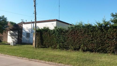 venta de importante inmueble sobre terreno de 800 m2 en avenida 29, con casa y galpón.