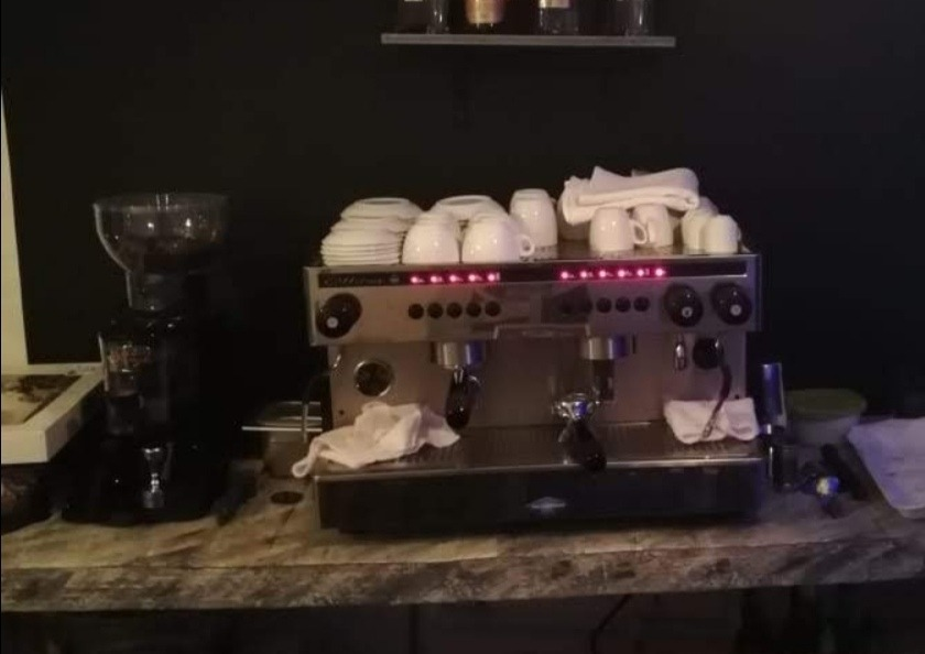 venta de inmobiliaria café bar estilo vintage