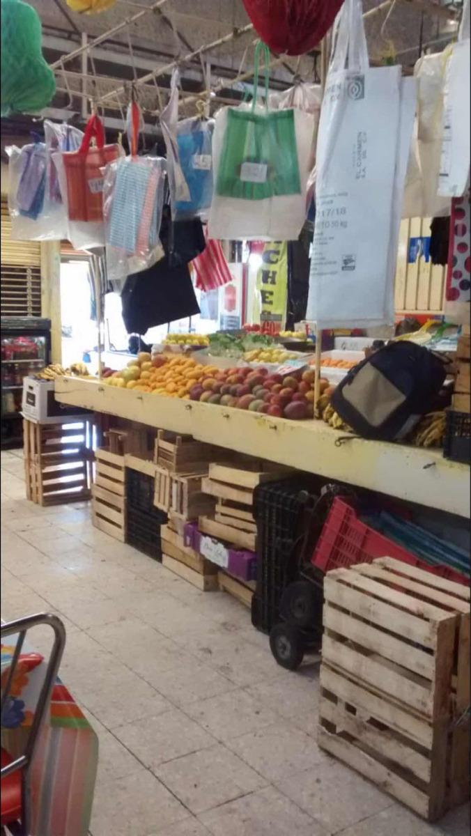 venta de local comercial en mercado de jamaica.