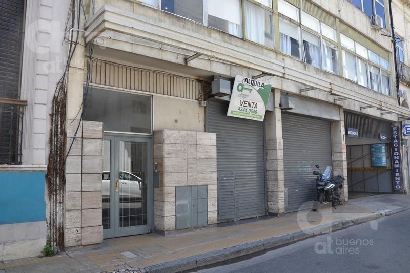 venta de local  sobre el casco histórico! a metros de calle defensa