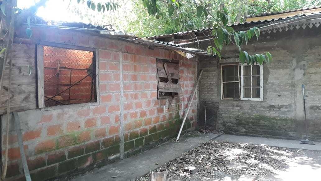 venta de lote con edificación en adrogué