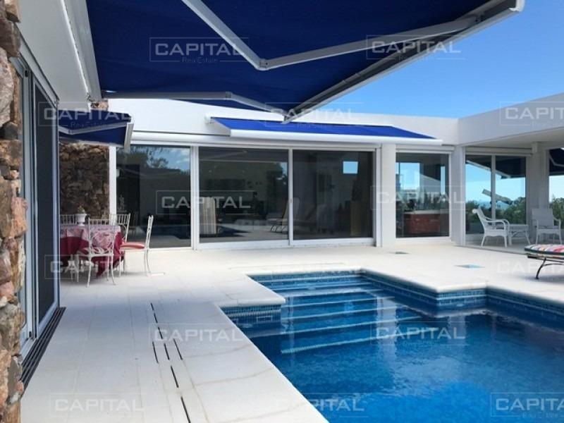 venta de magnífica residencia con acceso por la ruta panorámica, punta ballena-ref:28795