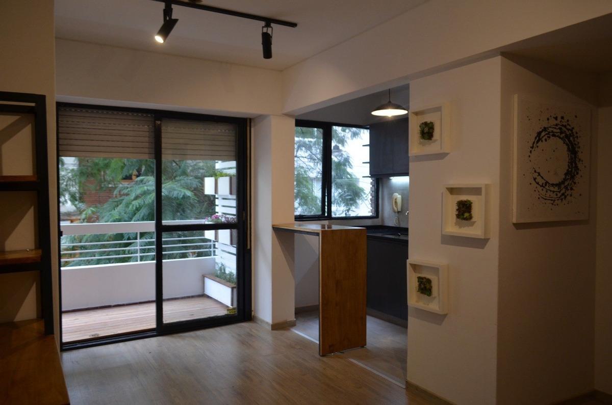 venta de monoambiente de diseño con excelente ubicacion - balcon - luminoso