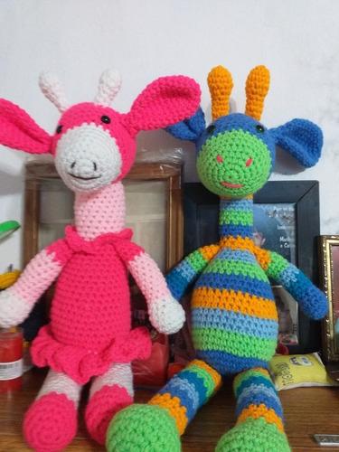 venta de muñecos tejidos y tapabocas