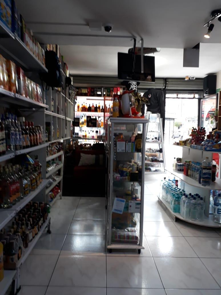 venta de negocio licorería sector plaza foch