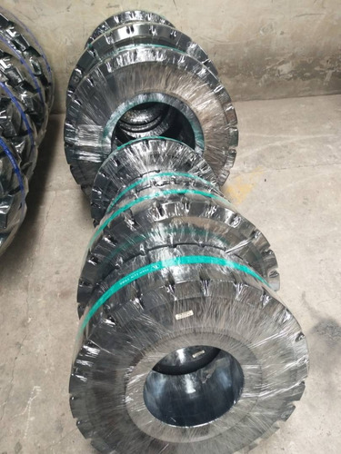 venta de neumáticos macizos con clip