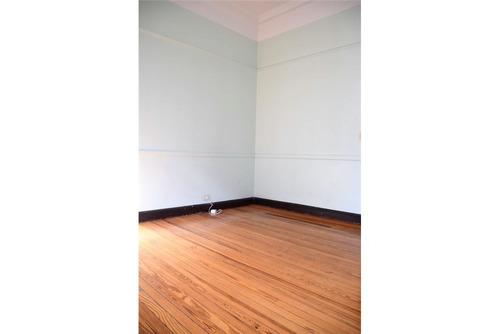 venta de oficina 121m2  en san nicolas con renta