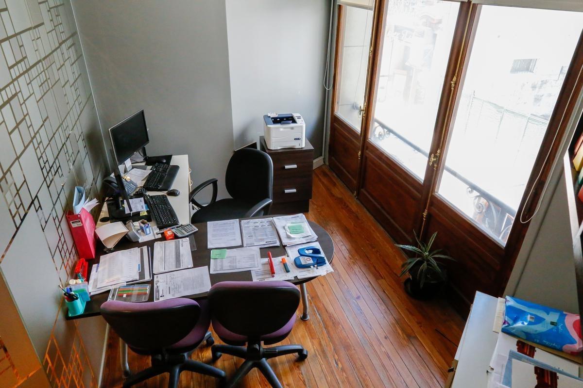venta de oficina en san cristobal con posibilidad de financiar luminoso y amplio
