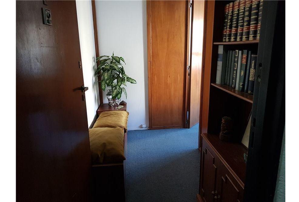 venta de oficina tribunales.un despacho.