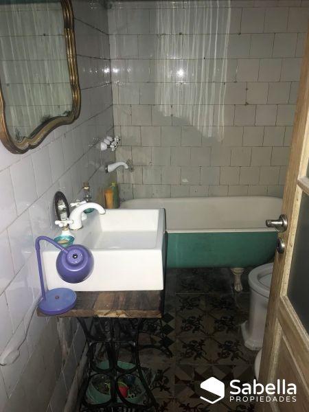 venta de ph 2 dormitorios con patio. la plata