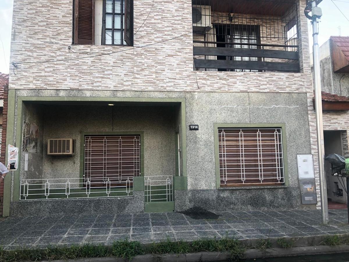 venta de ph 3 ambientes independiete con cochera y patio