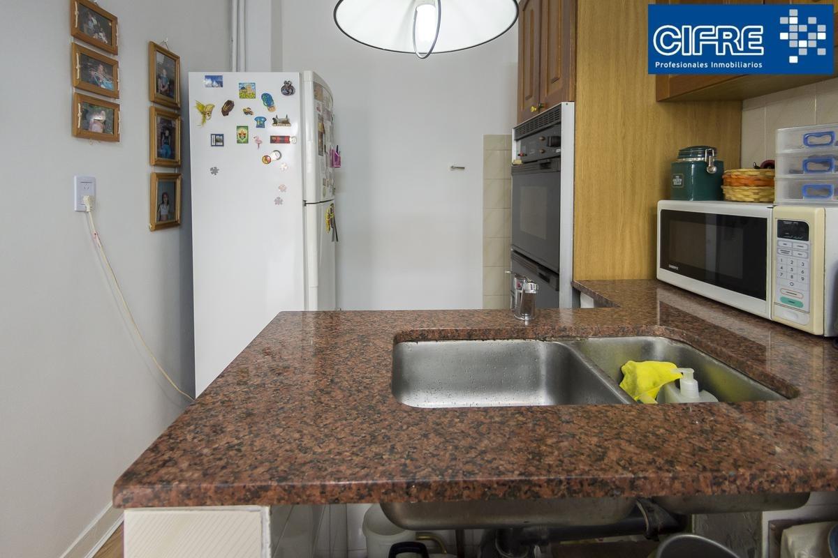 venta de ph 4 ambientes en 2 plantas, baño y toilette, patio y terraza