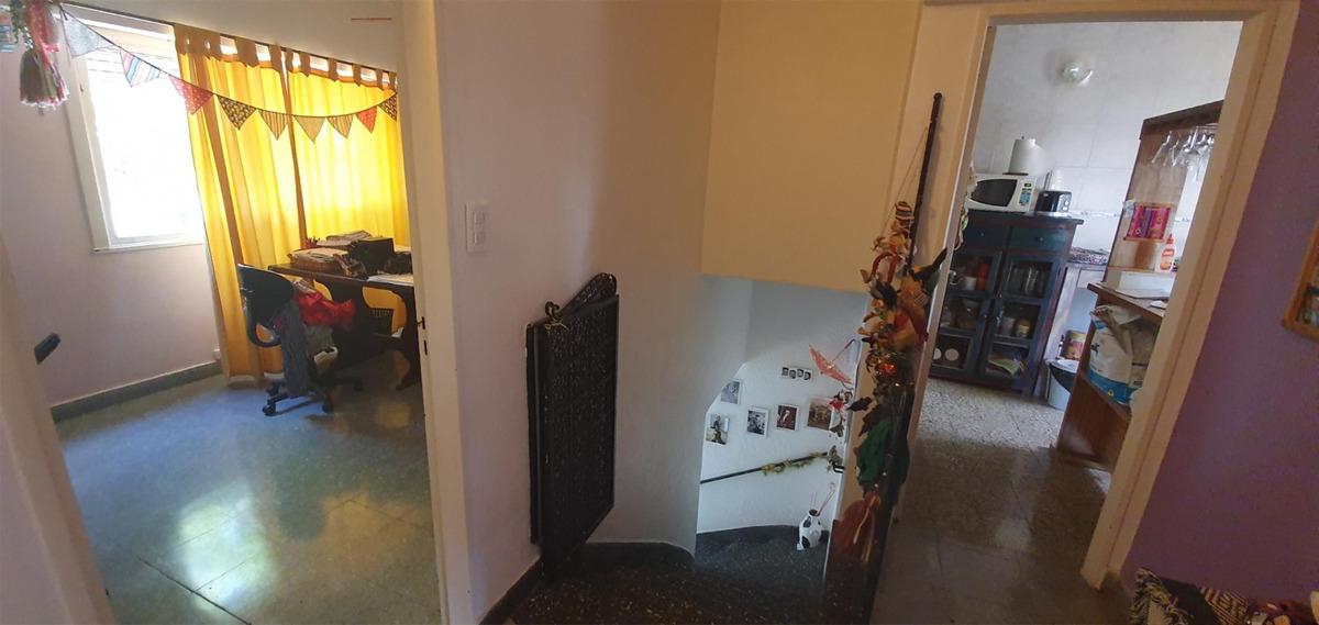 venta de ph con entrada independiente de 61 m2 + terraza de