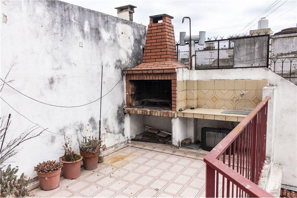 venta de ph con patio y terraza s/expensas